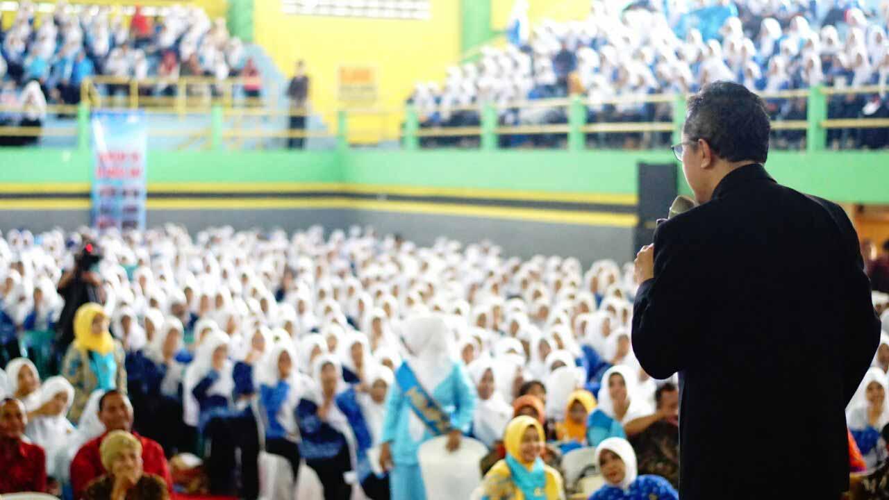 Yusron Aminulloh, Setia Sebar Energi Positif untuk Indonesia