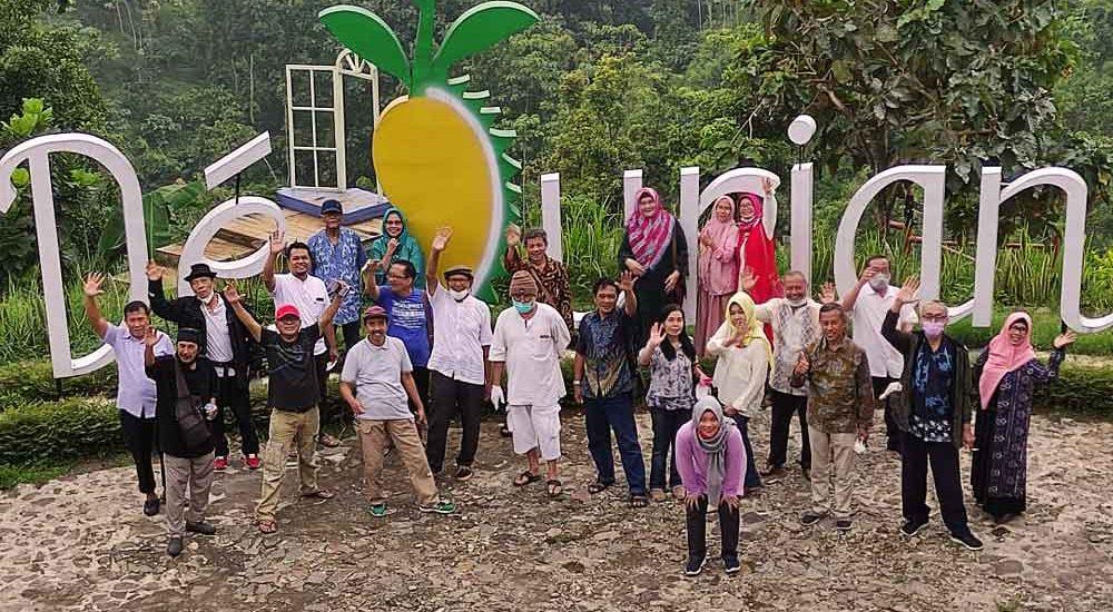 Melepas Rindu di DeDurian Park Wonosalam Jombang